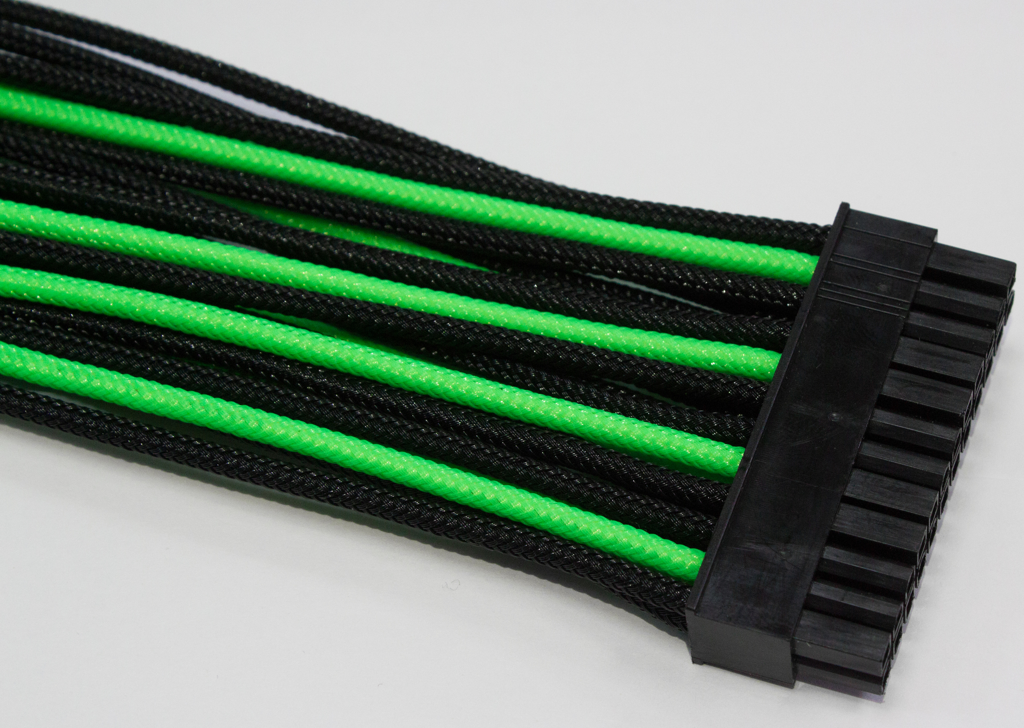 Удлинитель Power Cable 30 cm Black&Green, 24Pin ATX M/F